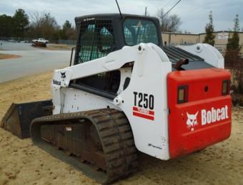 Гусеничный Bobcat T250